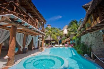 The pool at Casa las Tortugas